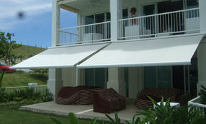 Copertina retractabila Athena MCA in curte 1