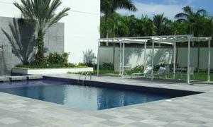 сгъваеми перголи VENUS MCA двор с басейн 6